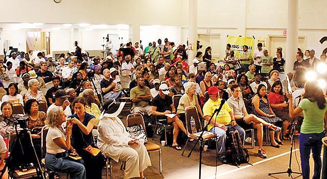 FORO. Reunión comunitaria sobre el acceso a la vivienda en el LEDC en Washington.