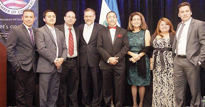 Cámara salvadoreña reconoce a empresarios