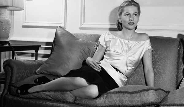 La actriz Joan Fontaine, famosa entre otros por su personaje de Rebeca, murió el 15 de diciembre a los 96. Era la hermana de su eterna rival: Olivia de Havilland.