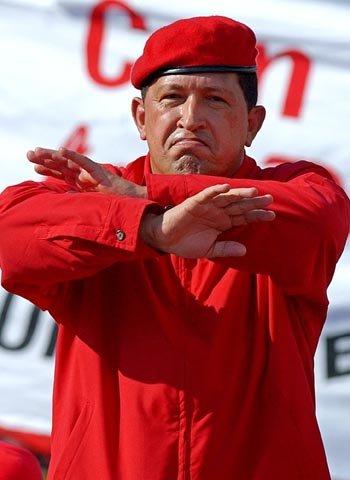 """El 5 de marzo, el presidente de Venezuela Hugo Chávez murió en Caracas, a los 58 años, tras padecer un cáncer pélvico del que se informó muy poco. Sus cirugías en Cuba, y sus convalecencias hicieron titulares en todo el mundo. Chávez siempre sostuvo que su enfermedad era """"culpa de una conspiración""""."""