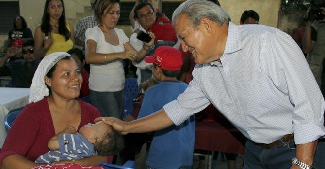 El Salvador: cerrada pugna entre FMLN y ARENA