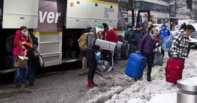 El frío deja varados a miles en todo el país