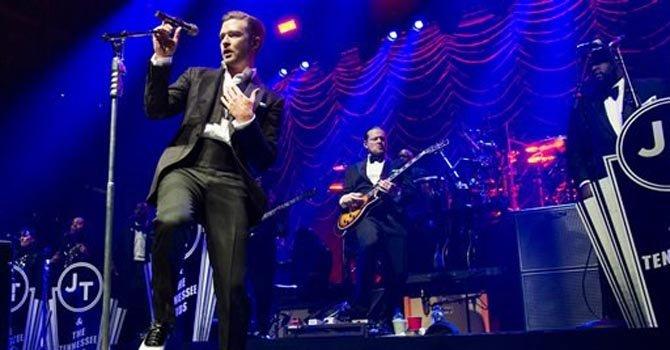 Timberlake y Thicke dominaron la música en 2013