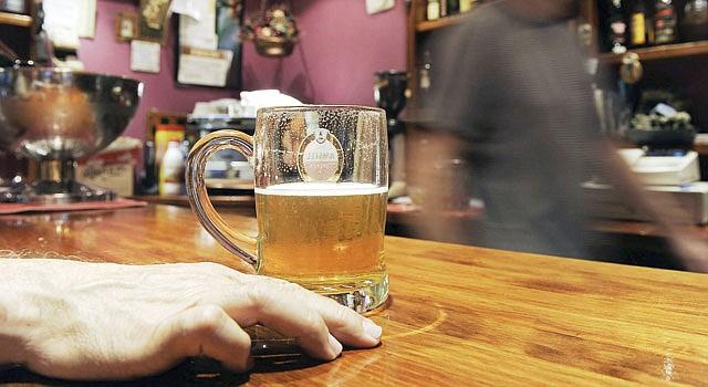 ALCOHOL. Preocupa el efecto en la salud cuando no se controla.