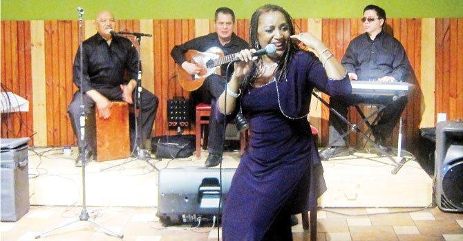Vicky Leyva: cantante y activista