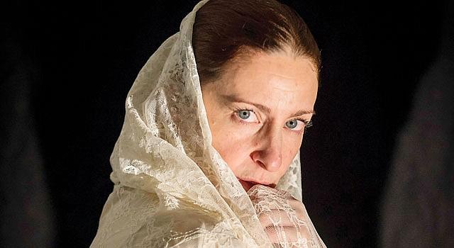 """PROTAGONISTA. La actriz Luz Nicolás interpreta el papel de Mamaé en """"La Señorita de Tacna"""" que presenta el Teatro Hispano GALA."""
