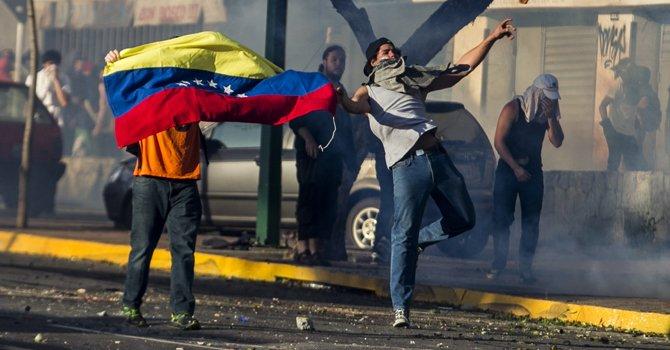 Maduro pide a sus seguidores salir a la calle