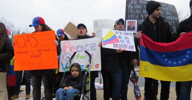 A la protesta de solidaridad con Venezuela asistieron familias enteras en Washington, DC