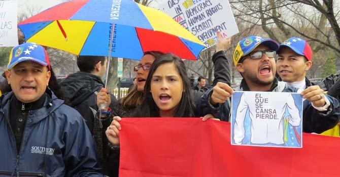 Manifestación ante la Organización de Estados Americanos (OEA) el 19 de febrero.