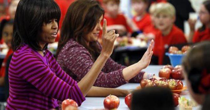 Limitan la comida chatarra en escuelas