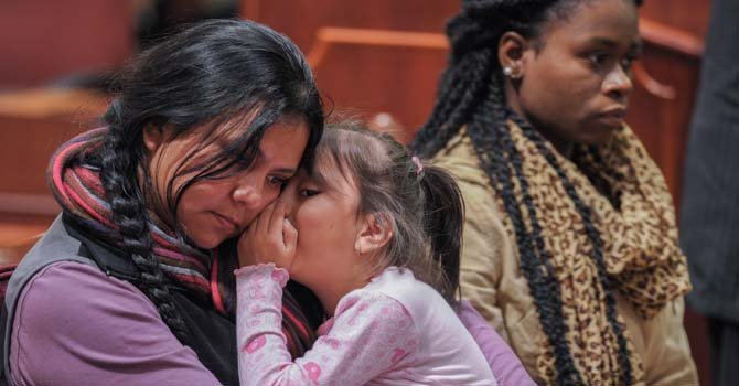 Madai Ledesma con junto a su hija Heather Pina. Estuvieron en Annapolis solicitando a los delegados que aprueben la ley que permitiria mas confianza con la policia