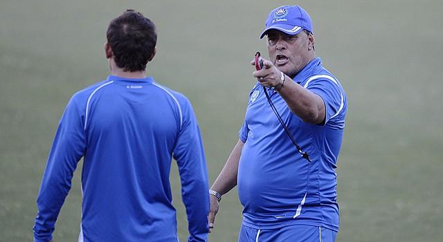 El entrenador interino de El Salvador, Mauricio Alfaro, quien dirigirá a la selección que se enfrentará a Costa de Marfil y España antes del Mundial de Brasil 2014 en la que participarán las dos últimas naciones.