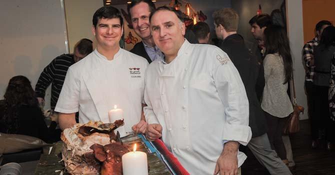 Colin King(izq), Chef de Oyamel en DC, David Andersen (centro), gerente general y el Chef José Andrés (der) durante la presentación del Festival del Tequila y el Mezcal en Oyamel Restaurante.