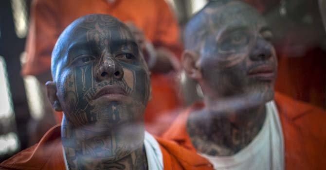 El Salvador: ley antiterrorista contra maras