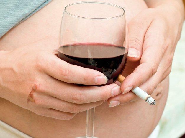 Peligros del cigarro y el alcohol en el embarazo