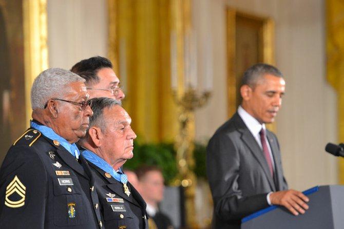 """""""Un acto histórico"""" para corregir errores del pasado, mencionó el presidente a los presentes."""