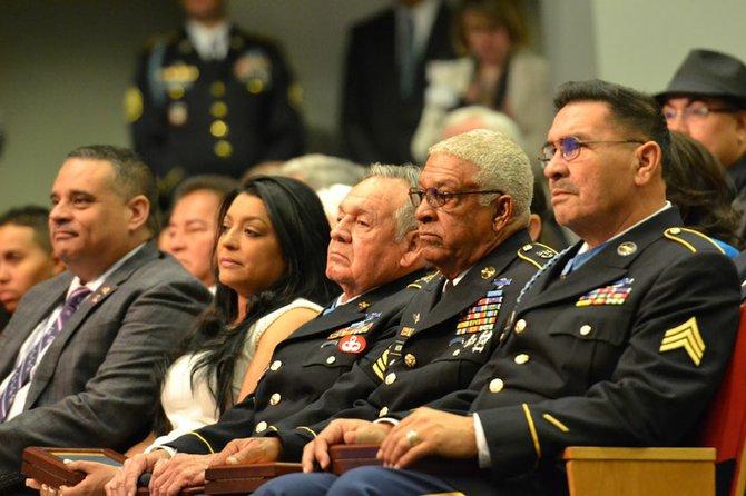 Los veteranos y los familiares de los caidos, durante el evento que se llevó a cabo en el Pentágono el miércoles 19 de marzo.