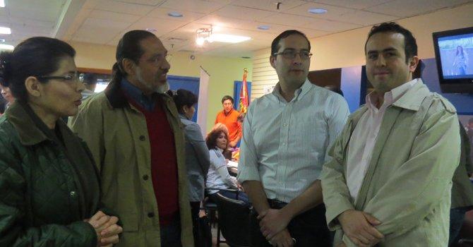 Bolivianos se inscriben para sufragar