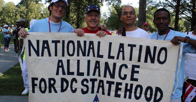 Candidatos latinos hacen presencia  en comicios