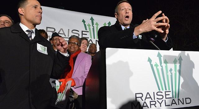 IMPULSOR. El gobernador Martin O'Malley (al micrófono) en Annapolis durante una manifestación por el alza del mínimo, tema central de su último año