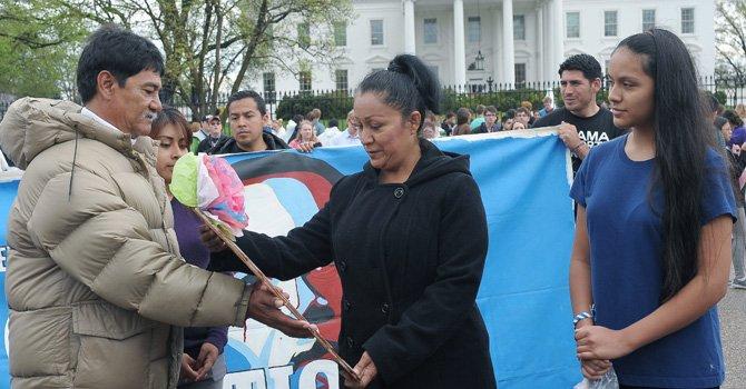 "Pasan ""posta"" de huelga de hambre contra deportaciones"