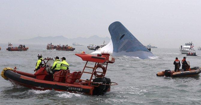 Sigue la búsqueda de 288 desaparecidos en naufragio