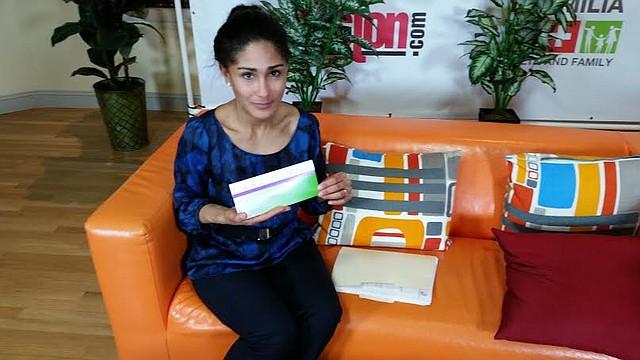 Saritín Rizuto de Casa Myrna hablando sobre el evento con el alcalde Walsh en el estudio de MasTV.