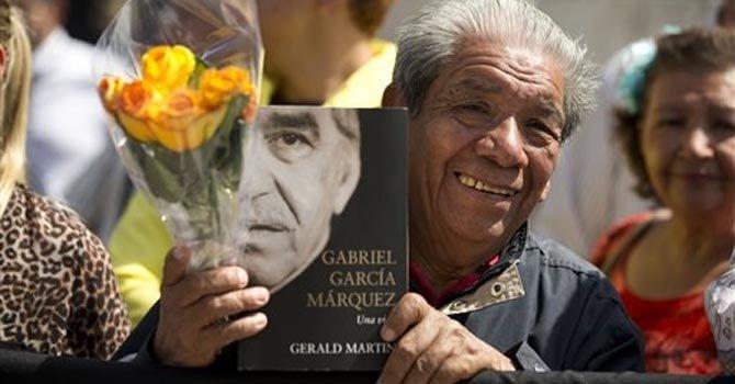 """México despide a """"Gabo"""" con música y flores"""