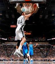 Tim Duncan, de San Antonio Spurs dio un juego soberbio frente a Dallas Maverick, en el primer encuentro de postemporada. (Foto-Cortesía:NBA).