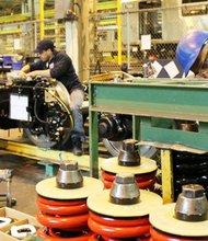 La gradual recuperación del sector industrial, en marzo, sorprendió a los propios analistas.