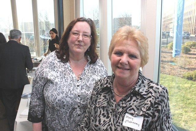 Brenda Martin y Mary Mahoney
