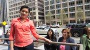 SOBREVIVIENTE. La mexicana Clarissa Hernández, de 26 años, no tiene familia en este país. Atrás, Rosa Quispe (izq.) y Rosalía Fajardo de Nueva Vida.