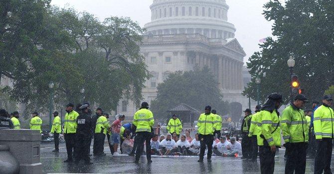 Diluvio de protestas en DC