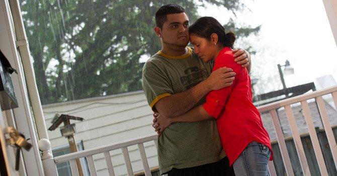 Hermano le dona riñón para salvarle la vida
