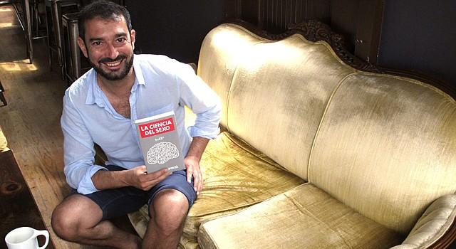 """El español Pere Estupinyà acaba de lanzar su primer libro editado en Estados Unidos, """"La ciencia del sexo"""","""