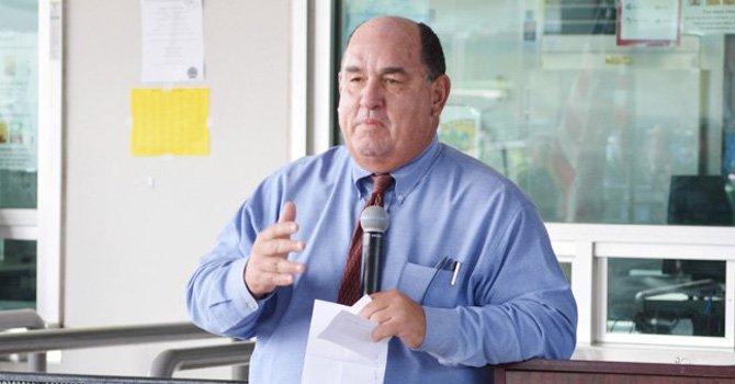 Edward Brand llevó a cabo exitosamente las negociaciones con el sindicato de maestros.(Foto Horacio Rentería).
