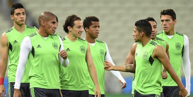 Brasil y México buscan el pase a octavos