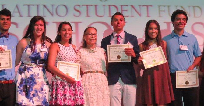 Reconocen el talento de estudiantes latinos