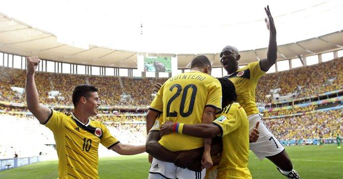 Colombia avanza, la Celeste revive en el Mundial