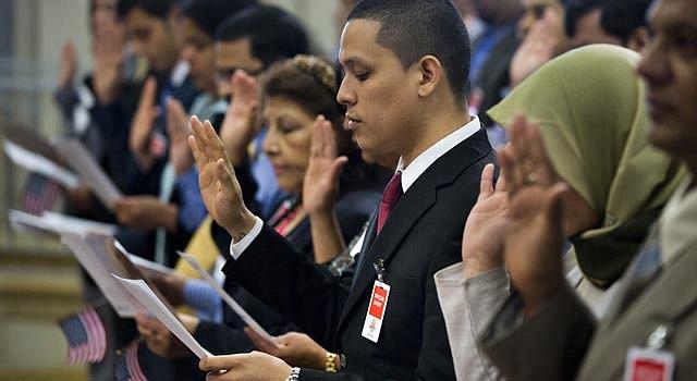 JURAMENTACIÓN. Varios grupos promueven el camino a la ciudadanía.