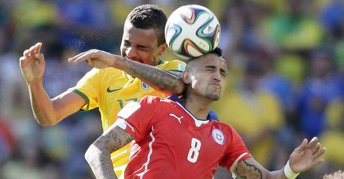 Brasil entra en cuartos gracias a los penales