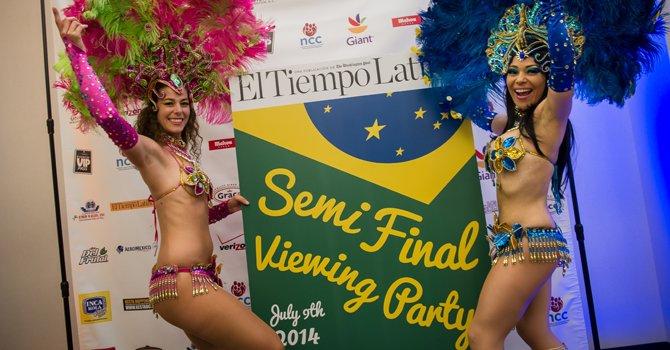 Fiesta del Mundial en El Tiempo Latino