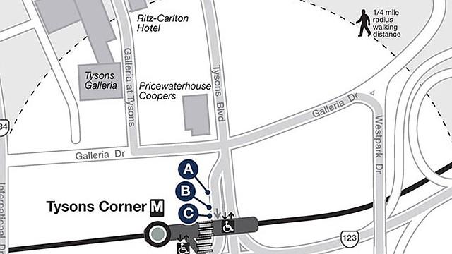 MAPA. La gráfica muestra los puntos de transporte público en la estación.