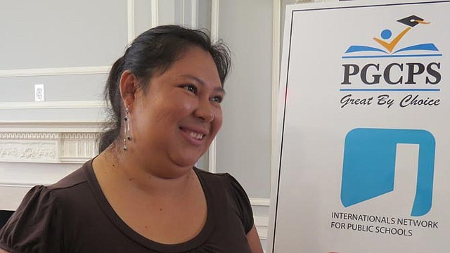 ACERCAMIENTO. Lydia Rivas, madre de dos hijos, dijo que las escuelas estarán más cerca de su vecindario.