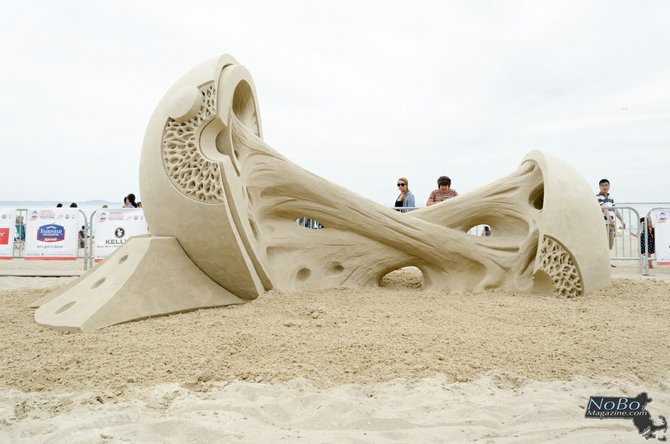 """La escultura """"Double Vision"""" de Rusty Croft ganó el primer lugar de la competencia"""