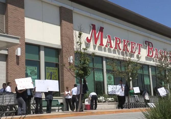 Junta directiva de Market Basket podría tomar la oferta de Demoulas