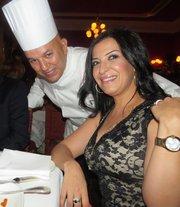 El chef Abdellah Aguenaou junto a su esposa Nadia durante el evento de fusión culinaria Hispano-marroquí en Taberna del Alabardero en DC el 17 de julio de 2014.