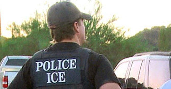 ACLU insta a policía local no acatar pedido de ICE