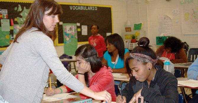 Cada vez es mayor la cifra de maestras Latinas que participan en la enseñanza del Inglés. Foto: EFE