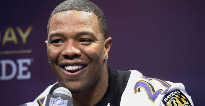 Ravens terminan el contrato con Ray Rice